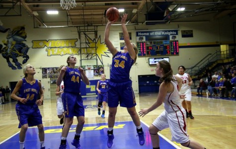 Girls' Basketball Victorious in First Round of Sectionals